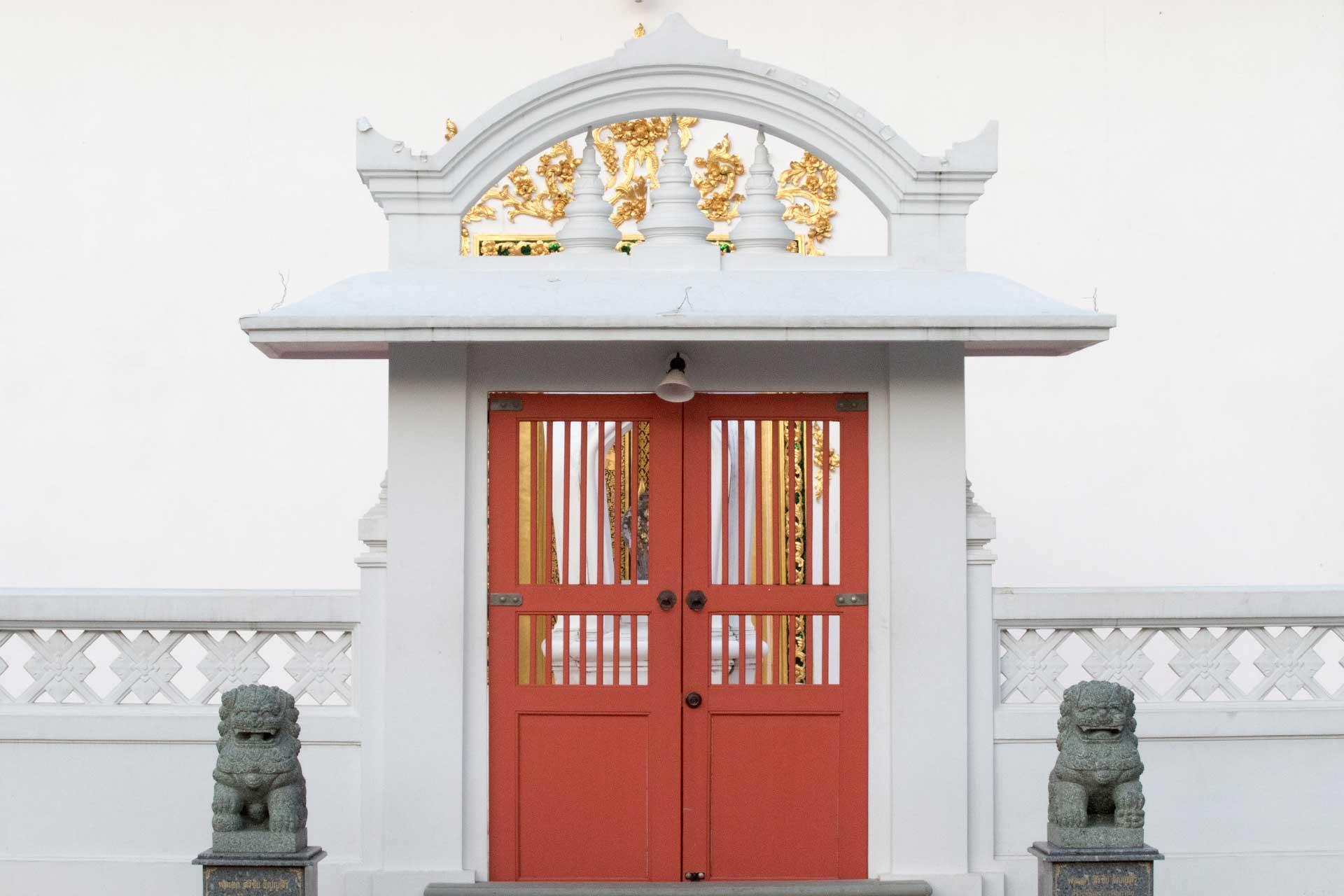 ซุ้มประตูอุโบสถ
